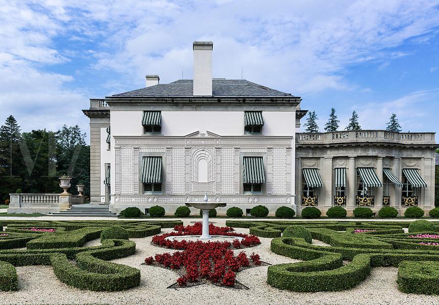 Boxwood Garden, Nemours Mansion and Gardens, Wilmington, Delaware, USA