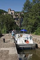 Europe/France/Midi-Pyrénées/46/Lot/Saint-Cirq-Lapopie: la vallée du Lot à l'écluse