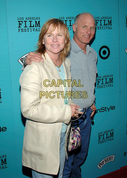 "AMY MADIGAN & ED HARRIS.""Nine Lives"" Centerpiece Premiere from the 2005 Los Angeles Film Festival held at ACMPAS Theatre, Beverly Hills, California, USA, 21 June 2005..half length married husband wife.Ref: ADM.www.capitalpictures.com.sales@capitalpictures.com.©Jacqui Wong/AdMedia/Capital Pictures."