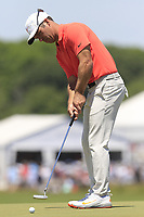 Paul Casey (ENG) putts on the 8th green during Saturday's Round 3 of the 118th U.S. Open Championship 2018, held at Shinnecock Hills Club, Southampton, New Jersey, USA. 16th June 2018.<br /> Picture: Eoin Clarke | Golffile<br /> <br /> <br /> All photos usage must carry mandatory copyright credit (&copy; Golffile | Eoin Clarke)