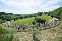 peloton over le &quot;Petit Poggio&quot; <br /> <br /> 2014 Belgium Tour<br /> stage 4: Lacs de l'Eau d'Heure - Lacs de l'Eau d'Heure (178km)