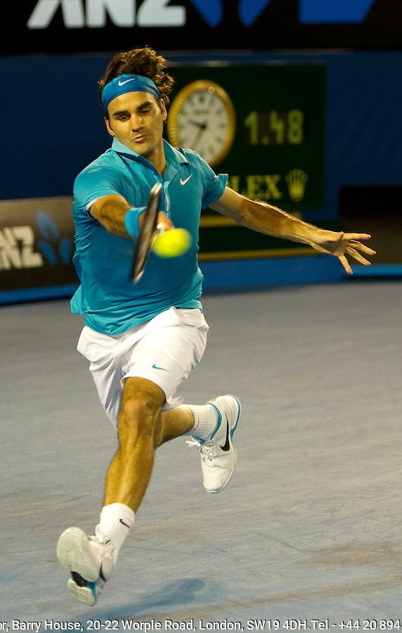 Roger Federer (SUI) (1) against Lleyton Hewitt (AUS) in the Fourth Tound of the Mens Singles. Federer beat Hewitt 6-2 6-3 6-4..International Tennis - Australian Open Tennis - Monday 25 Jan 2010 - Melbourne Park - Melbourne - Australia ..© Frey - AMN Images, 1st Floor, Barry House, 20-22 Worple Road, London, SW19 4DH.Tel - +44 20 8947 0100.mfrey@advantagemedianet.com