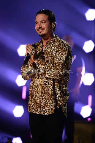 MIAMI, FL - NOVEMBER 5: J Balvin at iHeartRadio Fiesta Latina 2016 at The American Airlines Arena on November 5, 2016. Credit: mpi04/MediaPunch