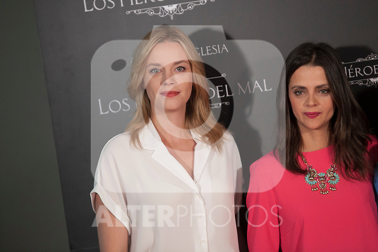 Carolina Bang and Mcarena Gomez pose during `Los heroes del mal´ film presentation in Madrid, Spain. September 09, 2015. (ALTERPHOTOS/Victor Blanco)