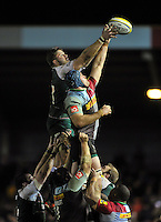 Ed Slater of Leicester Tigers competes with James Horwill of Harlequins for the ball at a lineout. Aviva Premiership match, between Harlequins and Leicester Tigers on February 19, 2016 at the Twickenham Stoop in London, England. Photo by: Patrick Khachfe / JMP