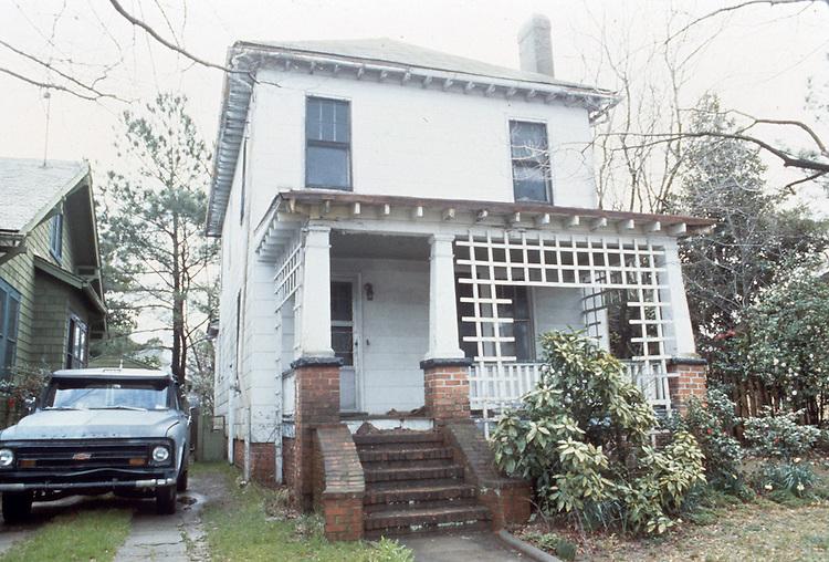 UNDATED..Conservation.Colonial Place-Riverview..4208 Newport Avenue...NEG#.NRHA#..