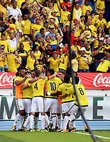 BARRANQUILLA - COLOMBIA -05-09-2017: Radamel Falcao jugador de Colombia celebra después de anotar un gol a Brasil durante partido de la fecha 16 para la clasificación a la Copa Mundial de la FIFA Rusia 2018 jugado en el estadio Metropolitano Roberto Melendez en Barranquilla. /  Radamel Falcao player of Colombia celebrates after scoring a goal to Brazil during match of the date 16 for the qualifier to FIFA World Cup Russia 2018 played at Metropolitan stadium Roberto Melendez in Barranquilla. Photo: VizzorImage / Inaldo Perez /