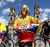 BOGOTA - COLOMBIA - 22-09-2015: Dia sin carro , motos y movilizacion ante el cambio climatico / Day without cars, motorbikes and mobilization against climate change. Photo: VizzorImage / Felipe Caicedo / Staff.