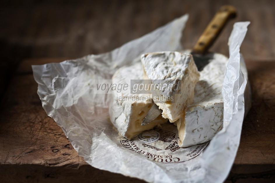 Europe/France/Ile-de-France/77/Seine et Marne: Le Coulommiers est un fromage français à pâte molle et à croûte fleurie produit traditionnellement dans la région de Coulommiers,