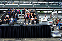 Verizon IndyCar Series<br /> Indianapolis 500 Drivers Meeting<br /> Indianapolis Motor Speedway, Indianapolis, IN USA<br /> Saturday 27 May 2017<br /> Brian Barnhart and the starting field.<br /> World Copyright: F. Peirce Williams