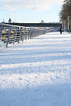 Drogheda in Snow..Photo NEWSFILE/Jenny Matthews.(Photo credit should read Jenny Matthews/NEWSFILE)....This Picture has been sent you under the condtions enclosed by:.Newsfile Ltd..The Studio,.Millmount Abbey,.Drogheda,.Co Meath..Ireland..Tel: +353(0)41-9871240.Fax: +353(0)41-9871260.GSM: +353(0)86-2500958.email: pictures@newsfile.ie.www.newsfile.ie.FTP: 193.120.102.198.