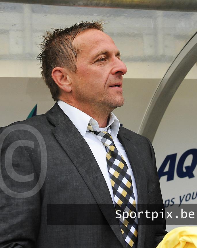Bekerfinale vrouwen 2015 : Lierse-Club Brugge Vrouwen :<br /> <br /> Lierse trainer Daniel Simmes<br /> <br /> foto VDB / BART VANDENBROUCKE