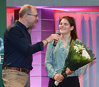 20180603 – OOSTENDE , BELGIUM : VRT journalist Tom Boudeweel (L) and Louise Van Den Bergh (R) pictured during the 4th edition of the Sparkle award ceremony , Sunday 3 June 2018 , in Oostende . The Sparkle  is an award for the best female soccer player during the season 2017-2018 comparable to the Golden Shoe or Boot / Gouden Schoen / Soulier D'or for Men in Belgium . PHOTO SPORTPIX.BE / DIRK VUYLSTEKE