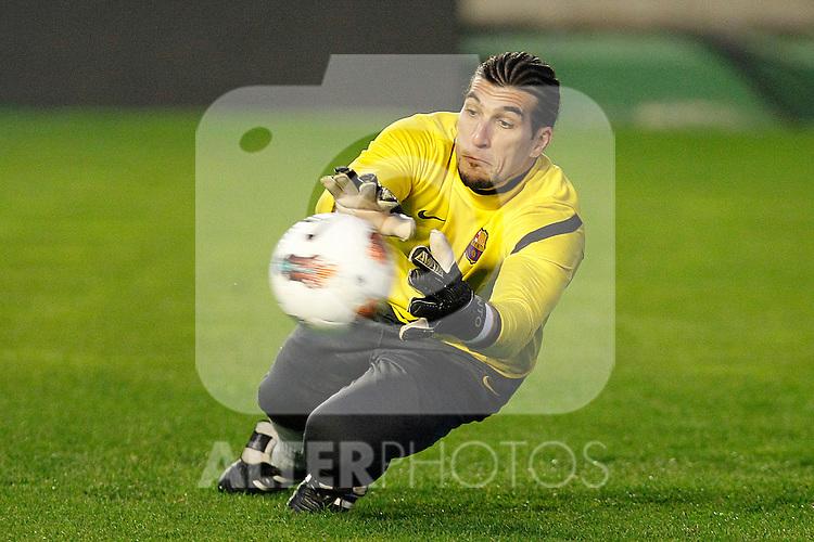 FC Barcelona's Jose Manuel Pinto during La Liga match.April 29,2012. (ALTERPHOTOS/Acero)