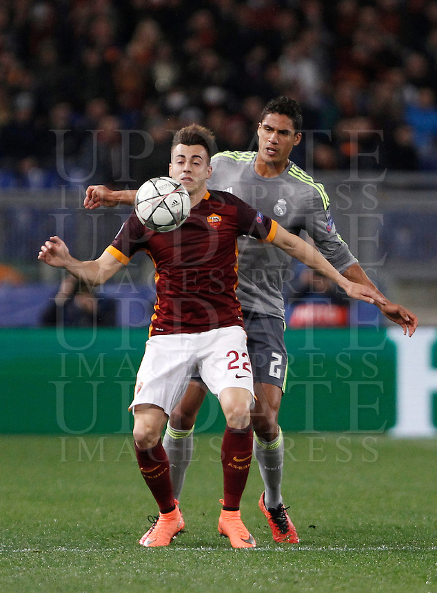 Calcio, andata degli ottavi di finale di Champions League: Roma vs Real Madrid. Roma, stadio Olimpico, 17 febbraio 2016.<br /> Roma's Stephan El Shaarawy, left, is challenged by Real Madrid's Raphael Varane during the first leg round of 16 Champions League football match between Roma and Real Madrid, at Rome's Olympic stadium, 17 February 2016.<br /> UPDATE IMAGES PRESS/Isabella Bonotto