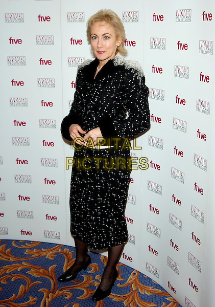 PAULA WILCOX.Five Women in Film and TV Awards,.London Hilton Hotel, Park Lane, London, .December 3rd 2004..full length.Ref: PL.www.capitalpictures.com.sales@capitalpictures.com.©Capital Pictures.