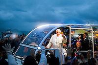 20130725 Papa a Copacabana