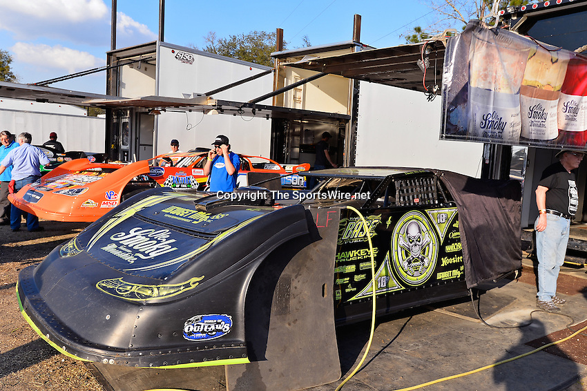 Feb 20, 2014; 5:01:57 PM;  Barberville, FL, USA;  World of Outlaws Late Model Series for 43rd Annual DIRTcar Nationals presented by Summit Racing Equipment at Volusia Speedway Park.  Mandatory Credit: (thesportswire.net)
