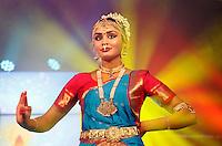 Nederland  Amstelveen 2016. Divali ( Diwali ) viering. Hindoes vieren Divali met veel zang en dans in het stadshart van Amstelveen.  Foto Berlinda van Dam / Hollandse Hoogte
