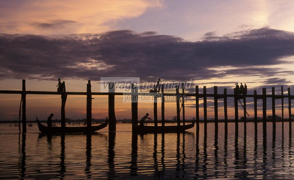 Asie/Birmanie/Myanmar/Haute Birmanie/Env Mandalay/Amarapura: Pont de U Bein sur le Lac Tangtaman
