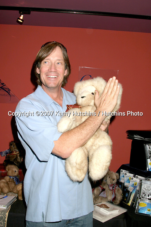 Kevin Sorbo.GBK Productions Golden Globe Gifting Suite.Friar's Club.Beverly Hills   CA.January 11, 2007.©2007 Kathy Hutchins / Hutchins Photo....