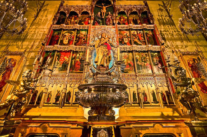 Main alter, Catedral de Nuestra Senora de la Almudena Cathedral