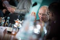 Bundesfinanzminister Wolfgang Schaeuble (CDU) wartet am Mittwoch (11.03.15) in Berlin im Bundeskanzleramt auf den Beginn der Kabinettssitzung.<br /> Foto: Axel Schmidt/CommonLens