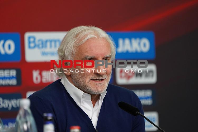 04.01.2019, BayArena, Leverkusen, GER, 1. FBL,  Bayer 04 Leverkusen PK Trainerwechsel,<br />  <br /> DFL regulations prohibit any use of photographs as image sequences and/or quasi-video<br /> <br /> im Bild / picture shows: <br /> erste Pressekonferenz von Peter Bosz Trainer / Headcoach (Bayer 04 Leverkusen), Rudi Völler/ Voeller Geschaeftsfuehrer Sport (Bayer 04 Leverkusen), <br /> <br /> Foto © nordphoto / Meuter
