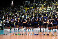 BOGOTÁ-COLOMBIA, 07-01-2020: Jugadoras de Colombia, antes de partido entre Venezuela y Colombia en el Preolímpico Suramericano de Voleibol, clasificatorio a los Juegos Olímpicos Tokio 2020, jugado en el Coliseo del Salitre en la ciudad de Bogotá del 7 al 9 de enero de 2020. / Players from Colombia, prior a match between Venezuela and Colombia, in the South American Volleyball Pre-Olympic Championship, qualifier for the Tokyo 2020 Olympic Games, played in the Colosseum El Salitre in Bogota city, from January 7 to 9, 2020. Photo: VizzorImage / Luis Ramírez / Staff.