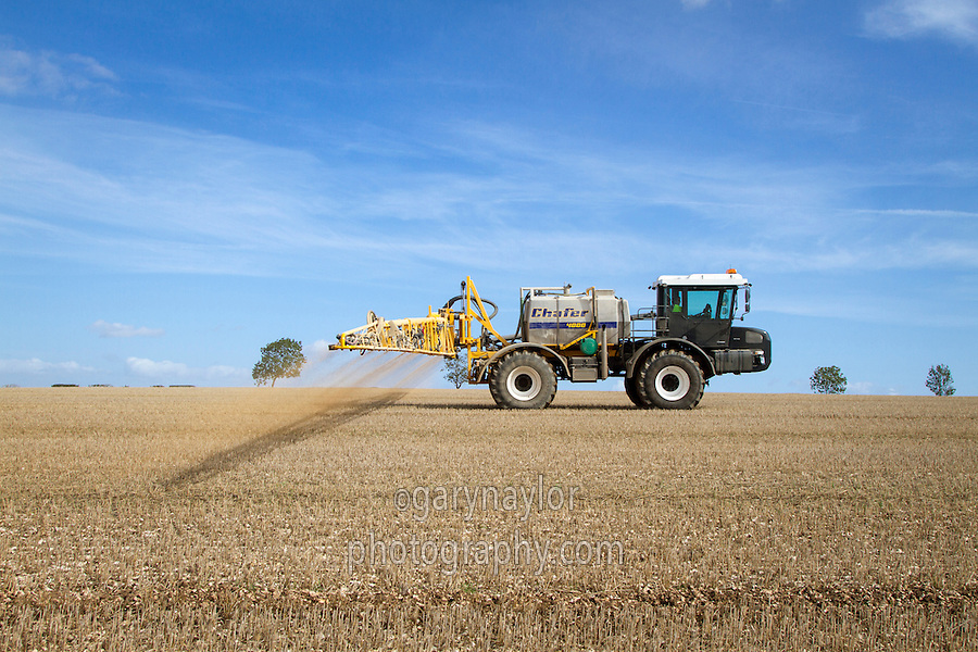 Applying liquid fertiliser to stubble with Chafer 36m sprayer & Unimog U400 - September, Yorkshire