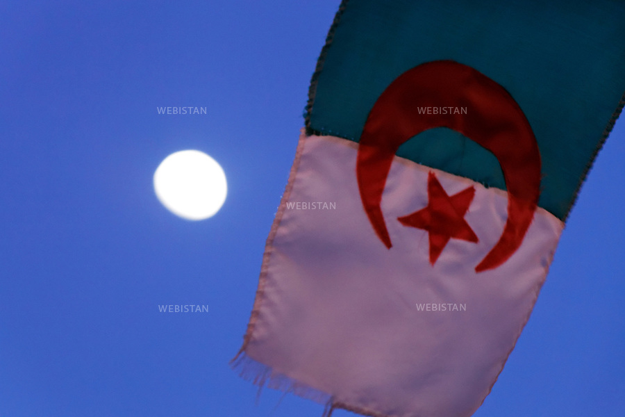 Algerie. Village El Malah_Rio Salado. 14 Avril 2011. Drapeau d'Algerie.<br /> <br /> <br /> Algeria, El Malah_Rio Salado village. April 14th 2011<br /> Algerian flag.