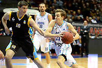 GRONINGEN - Basketbal, Donar - Den Helder Suns, Martiniplaza, Dutch Basketbal League,  seizoen 2018-2019, 27-11-2018,  Donar speler Tim Hoeve met Den Helder speler Yarick Brussen