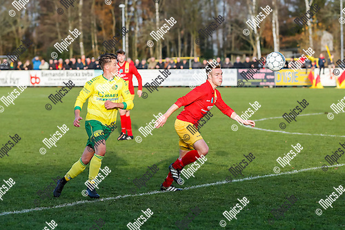 2016 November 27/ Voetbal / Seizoen 2016-2017 /  K Retie SK- KFC Witgoor Sport / Sander Broeckx (Retie) in duel met Jorne Van Genechten (Witgoor Sport)<br /> <br /> ,Foto:Mpics.be