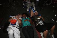 ATENÇÃO EDITOR: FOTO EMBARGADA PARA VEÍCULOS INTERNACIONAIS. - SÃO PAULO - SP -  31 DE DEZEMBRO 2012.REVEILLON NA PAULISTA. - Paulistanos e turistas festejam a virada de ano na Avenida Paulista, com diversos shows e a tradicional queima de fogos. FOTO: MAURICIO CAMARGO / BRAZIL PHOTO PRESS.