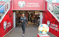 Serge Gnabry (Deutschland Germany) betritt den Windsor Park - 09.09.2019: Nordirland vs. Deutschland, Windsor Park Belfast, EM-Qualifikation DISCLAIMER: DFB regulations prohibit any use of photographs as image sequences and/or quasi-video.