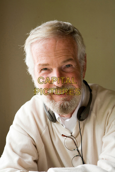 ROBERT BENTON (DIRECTOR).on the set of Feast of Love .*Filmstill - Editorial Use Only*.CAP/FB.Supplied by Capital Pictures.