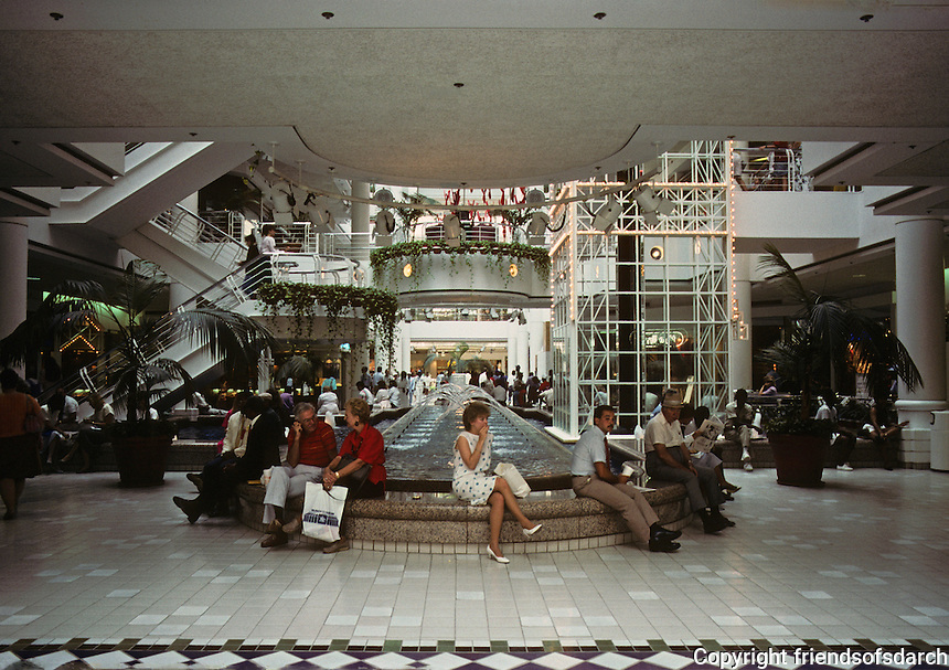 St. Louis--St. Louis Centre--Interior, Downtown. Mall/Arcade. Photo '88.