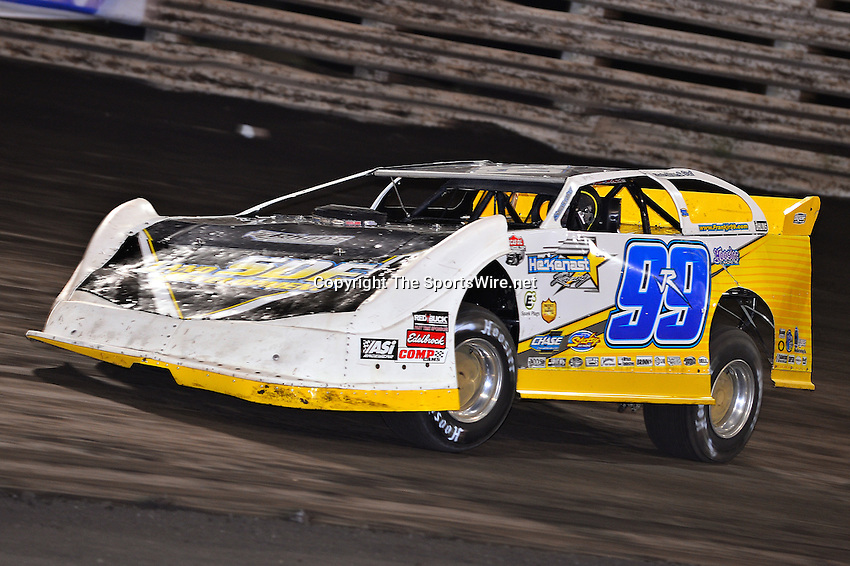 Sep 26, 2013; 7:23:50 PM; Knoxville, IA., USA; 10th Annual Lucas Oil Late Model Knoxville Nationals presented by Caseys General Stores at the Knoxville Raceway.  Mandatory Credit: (thesportswire.net)