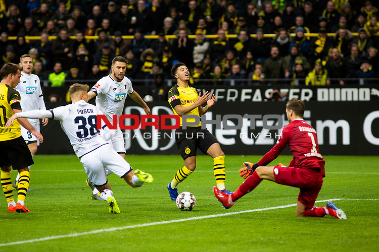09.02.2019, Signal Iduna Park, Dortmund, GER, 1.FBL, Borussia Dortmund vs TSG 1899 Hoffenheim, DFL REGULATIONS PROHIBIT ANY USE OF PHOTOGRAPHS AS IMAGE SEQUENCES AND/OR QUASI-VIDEO<br /> <br /> im Bild | picture shows:<br /> Jadon Sanchos (Borussia Dortmund #7) Schuss landet im Tor, <br /> <br /> Foto © nordphoto / Rauch