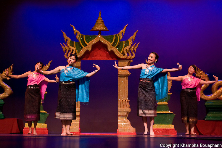 Veravon Sengsisourith, Phonetip Sivilay, Latana Thaviseth, and Sirintra Vongphrachanh of the Kinnaly Dance Troupe perform Lum Mahaxay-Lum Tungvaii during the first annual Lao Artists Festival in Elgin, IL on August 21, 2010.  (photo by Khampha Bouaphanh)