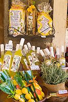Italy, Veneto, Lake Garda, Garda: local specialities - Limoncino liqueur | Italien, Venetien, Gardasee, Garda: beliebte Mitbringsel - Limoncino