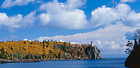 Split Rock Lighthouse State Park, MN: Split Rock Lighthouse stands above Lake Superior and the edge of Elligson Island