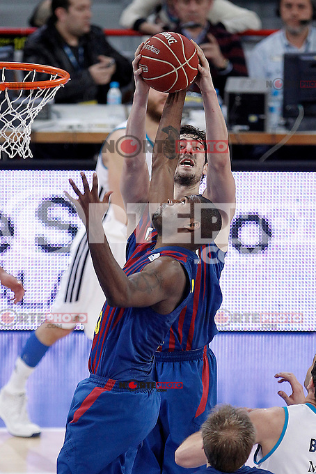 FC Barcelona Regal's Pete Mickeal (l) and Ante Tomic during Spanish Basketball King's Cup match.February 07,2013. (ALTERPHOTOS/Acero) /Nortephoto