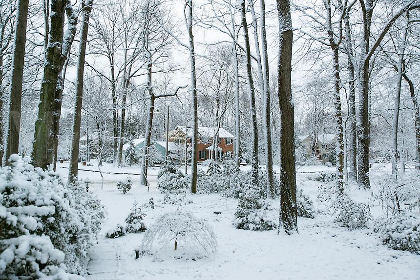 Suburban winter snow scene, USA.