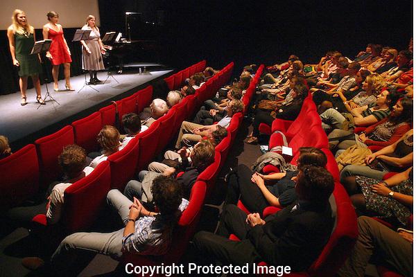 20110926 - Utrecht - Foto: Ramon Mangold - NFF 2011 - Nederlands Filmfestival - .De zingende diva's van documentairemaker Jaap van Eyck.