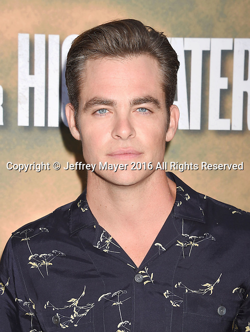 HOLLYWOOD, CA - AUGUST 10: Actor Chris Pine arrives at the screening of CBS Films' 'Hell Or High Water' at ArcLight Hollywood on August 10, 2016 in Hollywood, California.