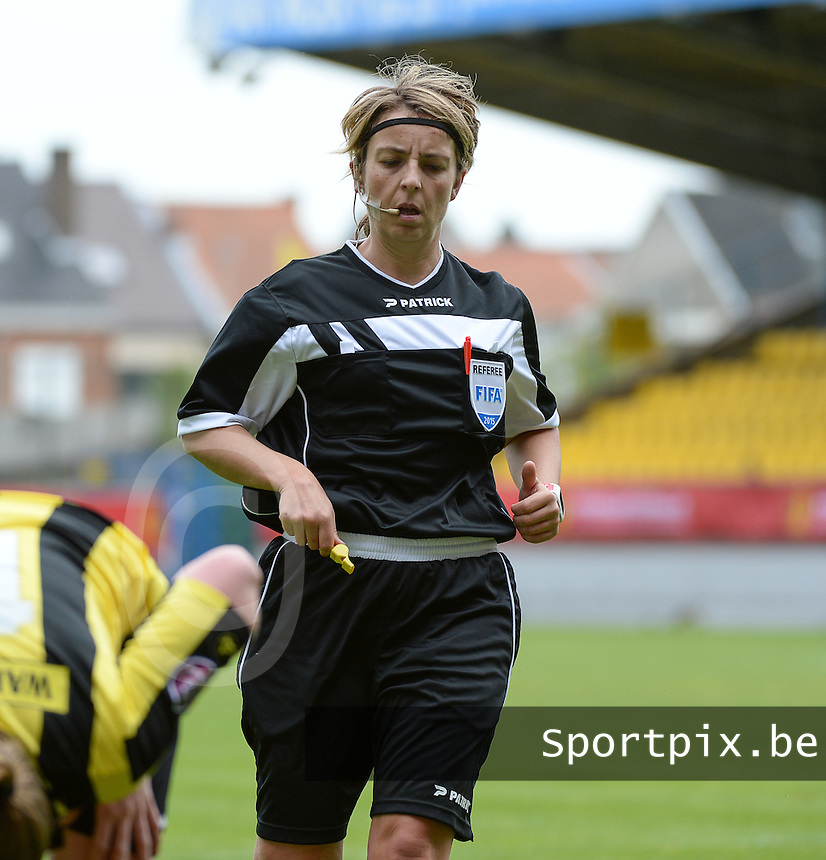 20150514 - BEVEREN , BELGIUM : referee Virginie Derouaux pictured during the final of Belgian cup, a soccer women game between SK Lierse Dames and Club Brugge Vrouwen , in stadion Freethiel Beveren , Thursday 14 th May 2015 . PHOTO DAVID CATRY