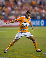 Houston Dynamo midfielder Brian Mullan (9) controls the ball.  Houston Dynamo defeated FC Dallas 4-1 at Robertson Stadium in Houston, TX on November 2, 2007.  Houston Dynamo won the Western Conference semifinal series with an aggregate score of 4-2.