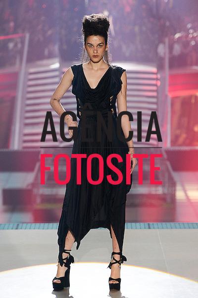 Paris, Franca&sbquo; 28/09/2013 - Desfile de Vivienne Westwood durante a Semana de moda de Paris  -  Verao 2014. <br /> Foto: FOTOSITE