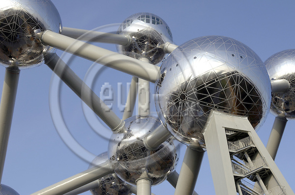 Brussels-Belgium - 08 January 2006---Designed and erected from 1955-58 for the World Exhibition, the ATOMIUM is a symbol of the atom concept, representing a crystal molecule of metal of the centered cubic system; a comprehensive renovation took place from 2003 to February 2006---Photo: Horst Wagner/eup-images